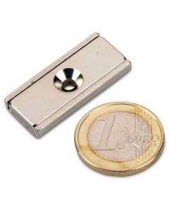 Flachleisten-Magnet Neodym  30 x 13,5 x 5 mm mit Bohrung und Senkung - hält 16kg